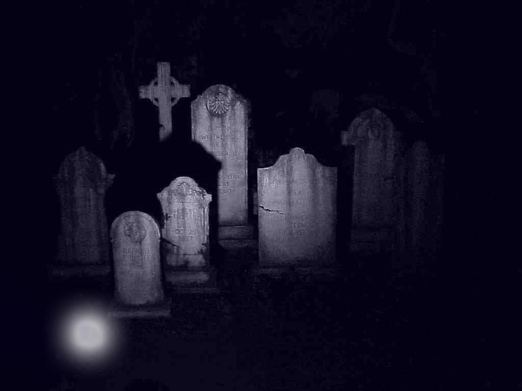 la-chica-del-cementerio